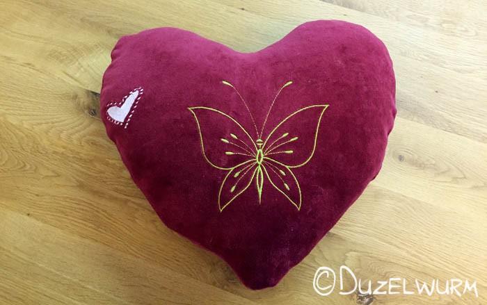 Herzkissen rot mit Schmetterling