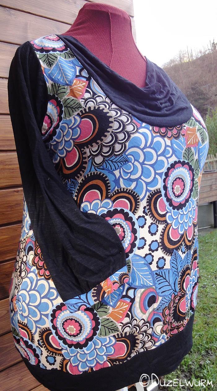 BlumenSchwarz Shirt Seitlich
