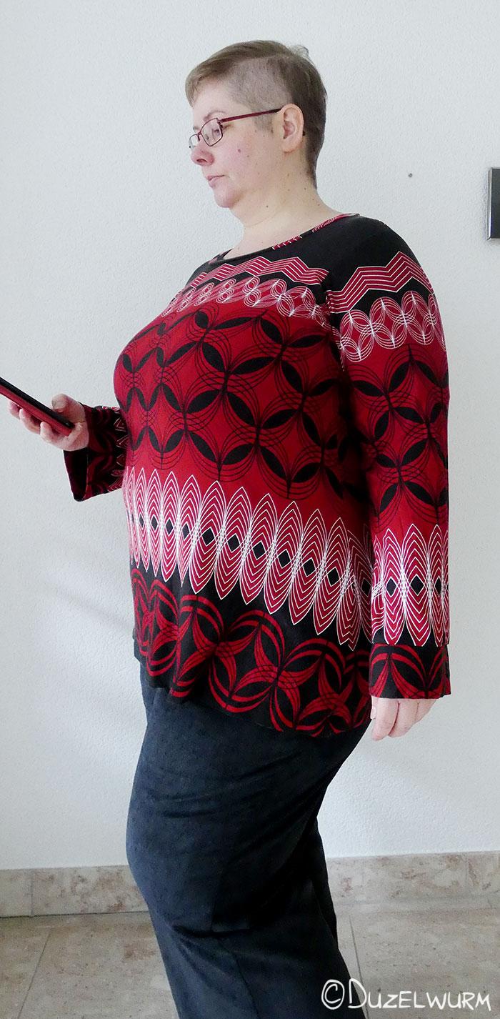 Rot Schwarzes Shirt mit geometrischen Muster