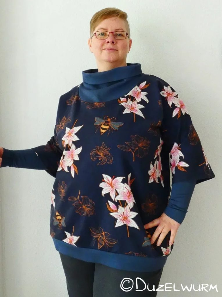 Lily-Bee-Shirt mit Armstulpen
