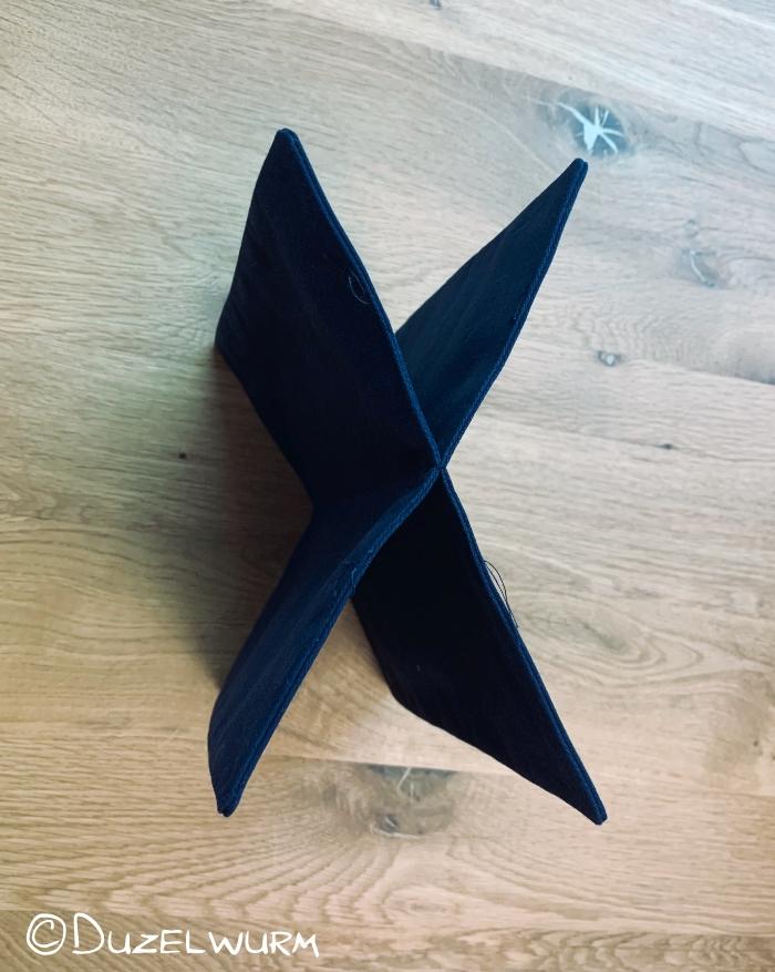 Trennwände genäht, es entsteht ein X