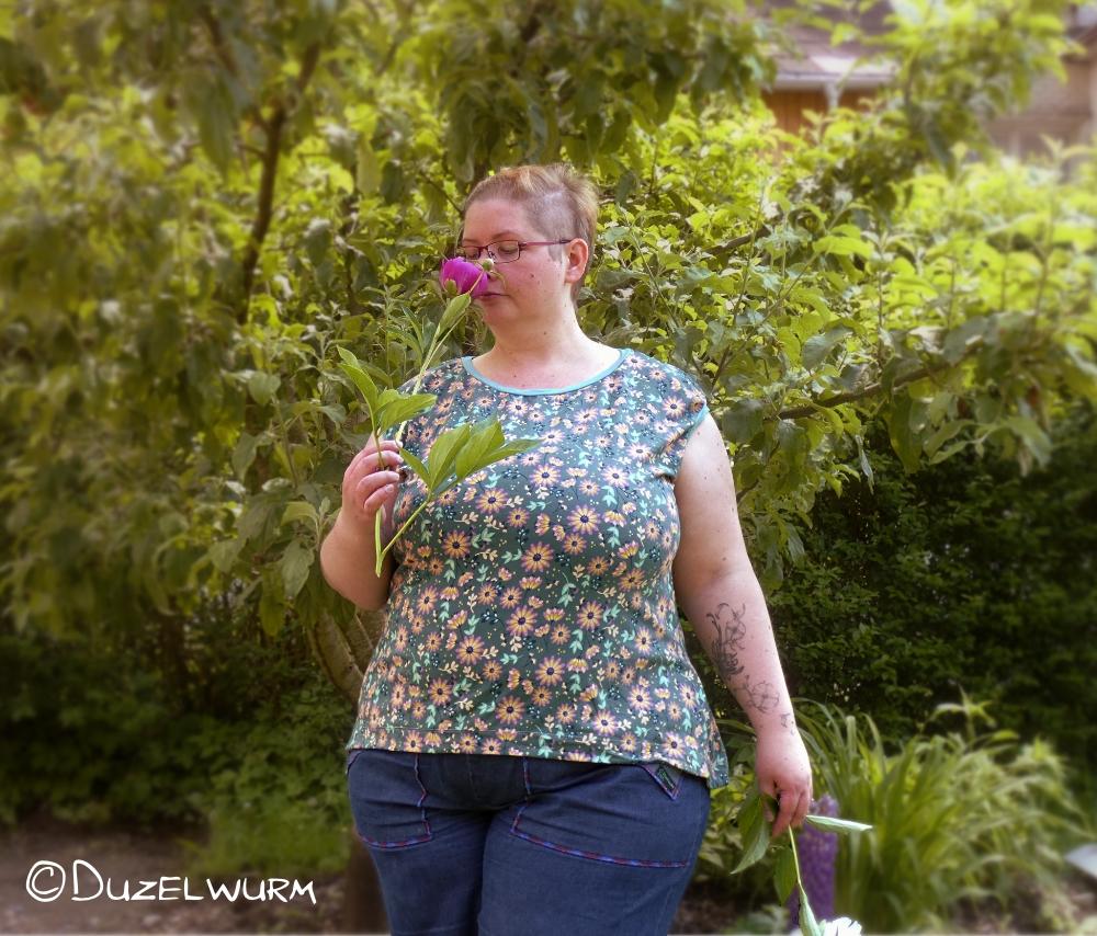 Lieblings Minna mit Blumen